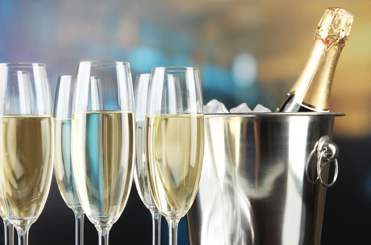 Шампанское: польза и вред для организма человека - обзор